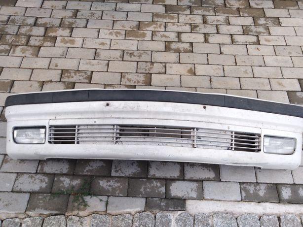 Zderzak przedni, przód BMW E36 ładny z halogenami, belką