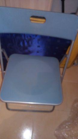 Vendo conjunto de 2 cadeiras por preco de 1