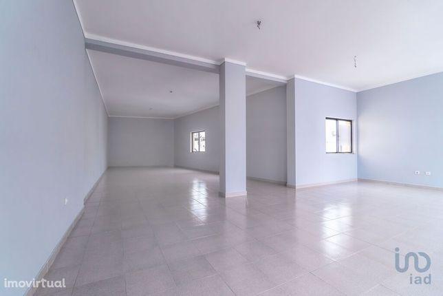 Loja - 88 m²