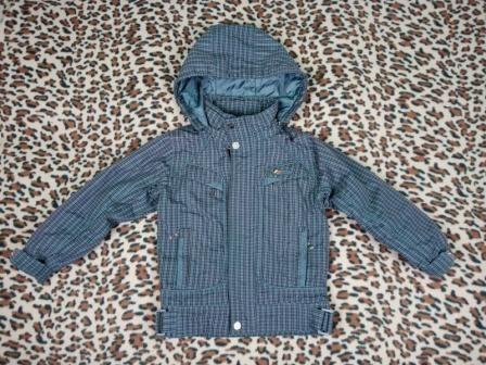 Продам демисезонную курточку на 4-5 лет