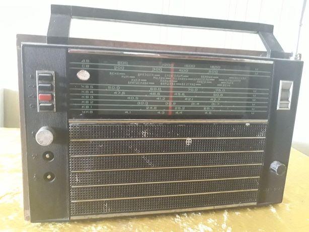 """Продам радиоприёмник """"Океан-204"""""""