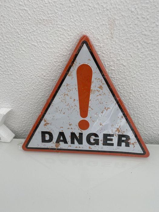 """Placa metalica decorativa """"Danger"""" 30x30cm Albufeira E Olhos De Água - imagem 1"""