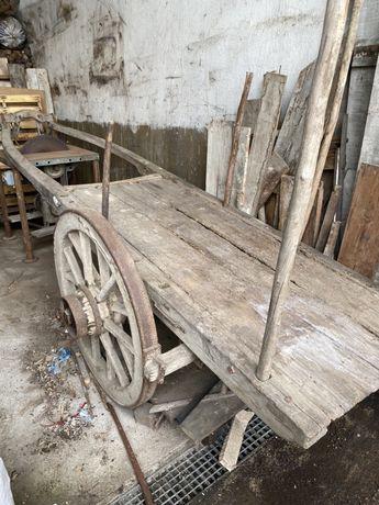 Carroça de boi antiga
