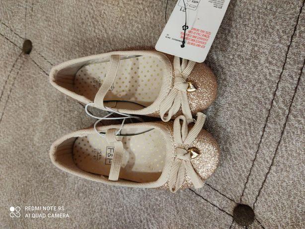 Дитяче європейське взуття