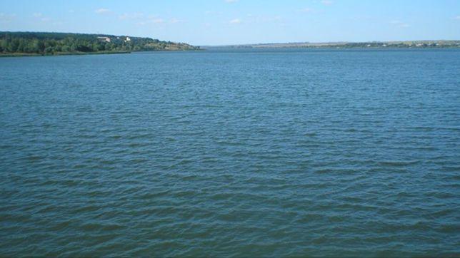 Продам свой участок 12с. в Липцах на берегу Травянского водохранилища.