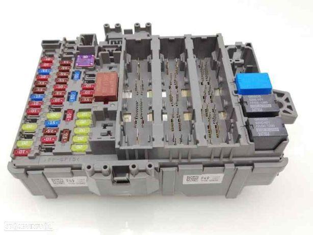 Caixa de fusíveis HONDA CR-V IV (RM_) 2.2 i-DTEC AWD (RE6) N22B4
