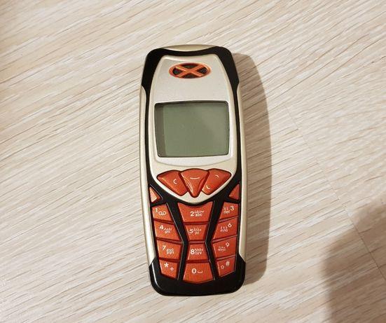 Nostalgiczna Nokia 3310 (ze starą baterią)