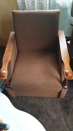 Sprzedam dwa stare fotele PRL