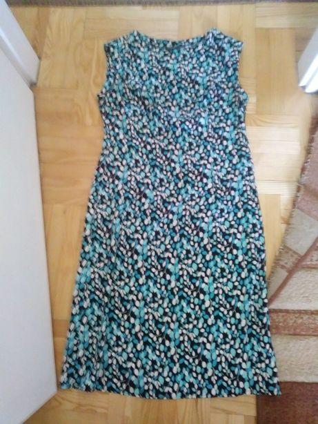 Sukienka w błękitne, białe i czarne plamki. Rozmiar M