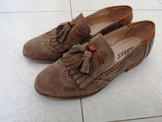 Sapatos de senhora Tam. 36