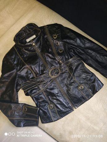 Шкіряна жіноча курточка