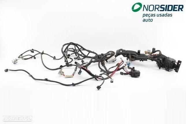 Instala elect comparti motor Renault Megane III Coupe Fase I 08-12