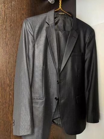 Мужской костюм с отливом 46-48