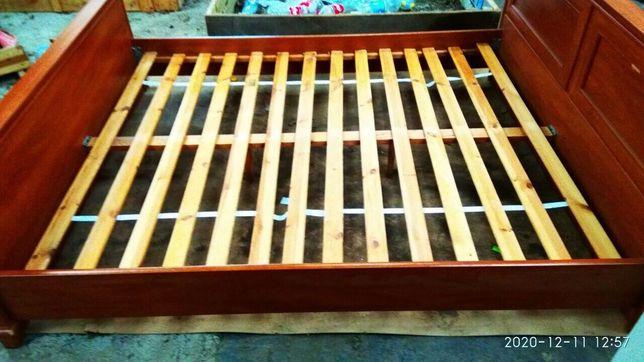 Срочно продам 2-х спальную кровать с матрасом!