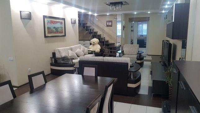 Продаётся капитальный, современный, экономичный дом в центре города.