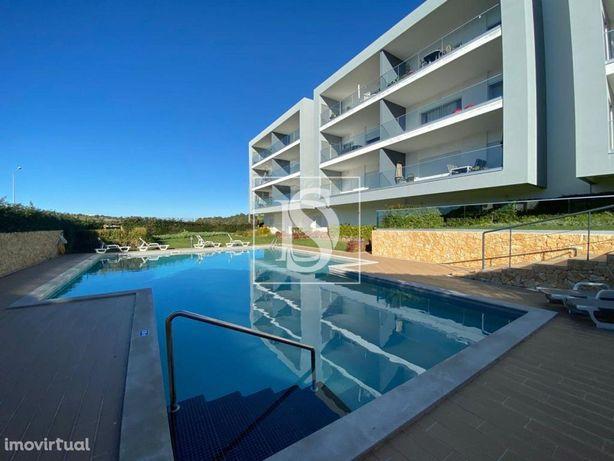 T3 SEMI-NOVO em ALBUFEIRA, condomínio fechado c/ piscina