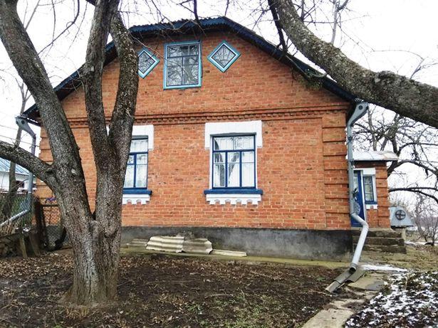 Продам будинок зі всіма зручностями неподалік Вінниці