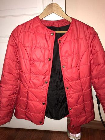Красная курточка на весну