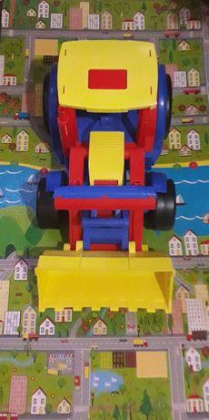 Гигант Wader  трактор есть прицеп