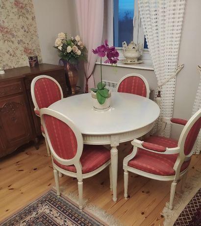 Okrągły Stół z Krzesłami