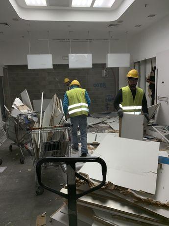 Carioca entulhos!Retiramos mobílias,limpeza de terrenos e Arrecadações