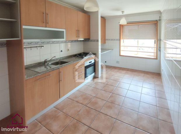Apartamento T2 Arrendamento em Canedo, Vale e Vila Maior,Santa Maria d