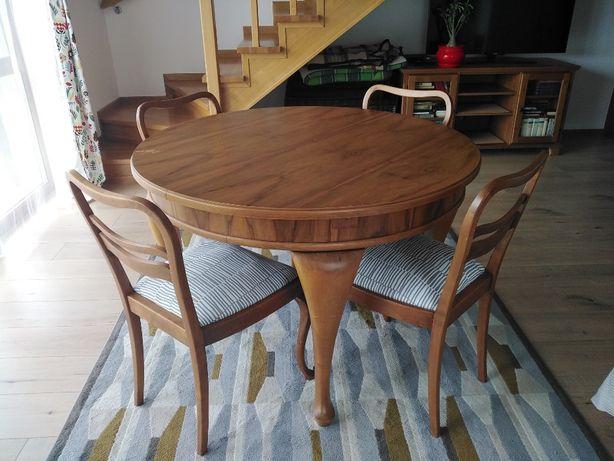 Dębowy stół i 4 krzesła