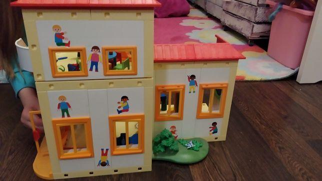 Sprzedam przedszkole Playmobil