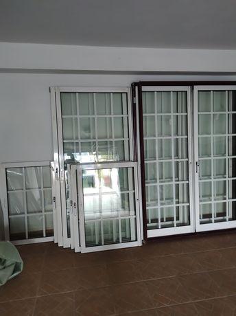 Janelas em alumínio em vidro duplo