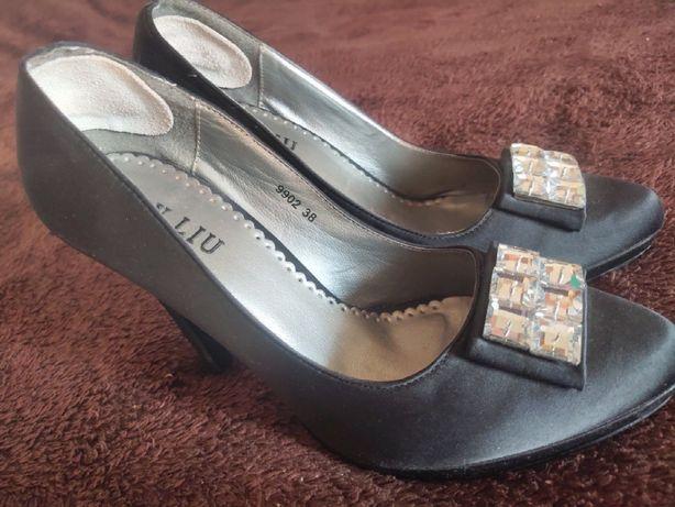 Туфли женские черные на высоком каблуке