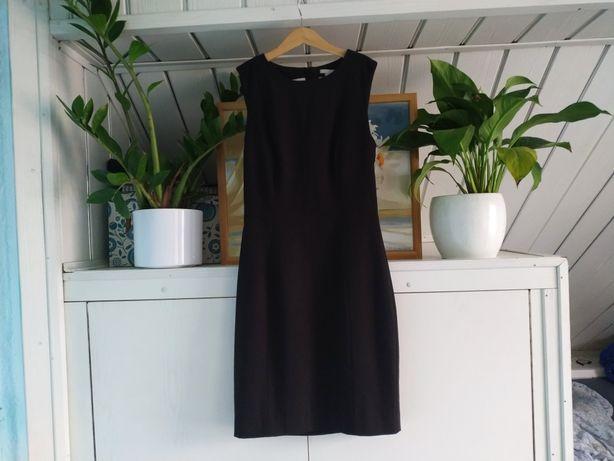 Klasyczna czarna sukienka rozmiar 34