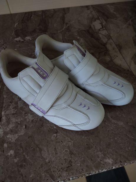 Buty damskie firmowe