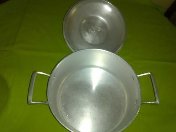 Tacho e panela em alumínio fundido