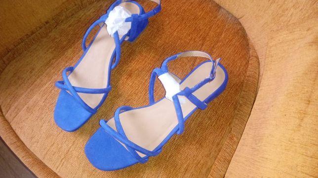 Piękne niebieskie sandałki rozmiar 42 modrakowe sandały klasyczne
