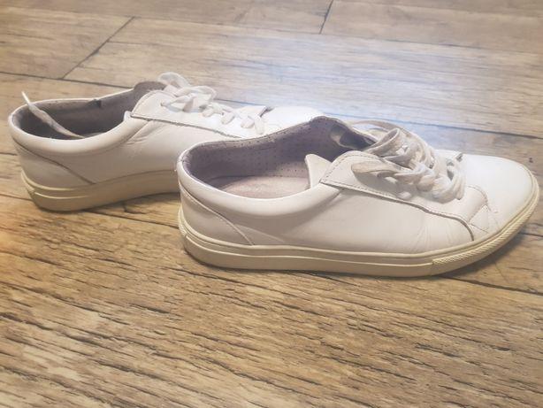 Meskie buty ze skory