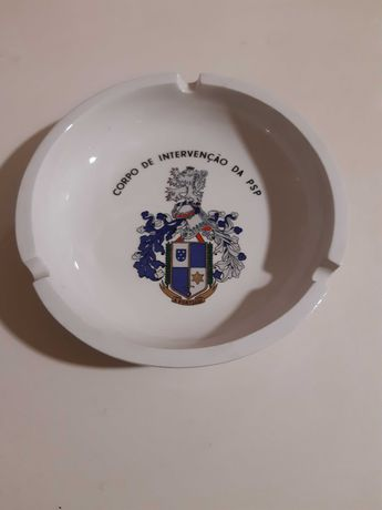 Cinzeiro porcelana brasão do Corpo de Intervenção da PSP
