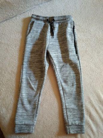 Спортивные штаны primark 5-6 лет