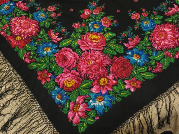 Шерстяной платок - шаль с китыцями 150см х150см