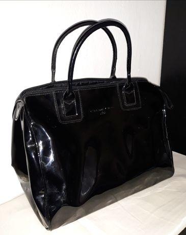Torebka czarna lakierowana, kuferek Celine Dion Chic