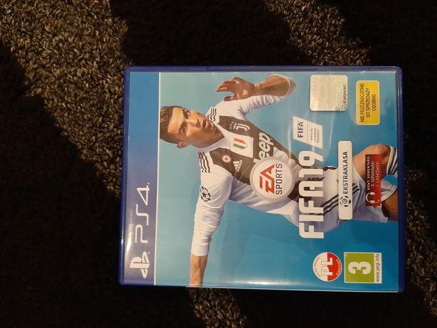 FIFA 19 ps4 . Stan płyty idealny