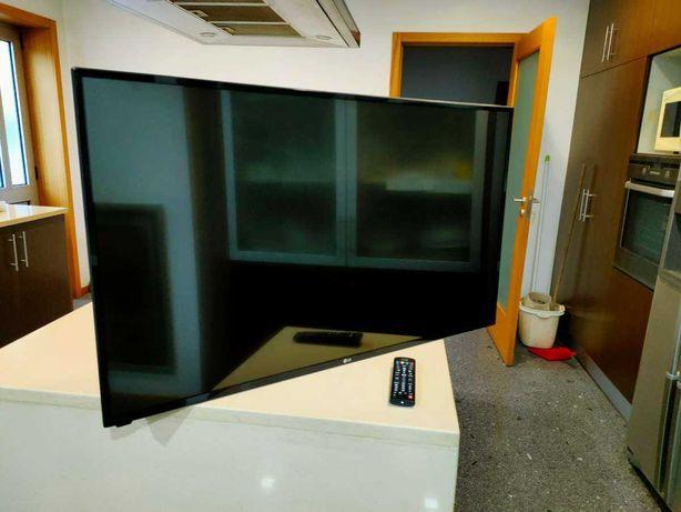 """Smart TV LG 43"""" Como nova"""