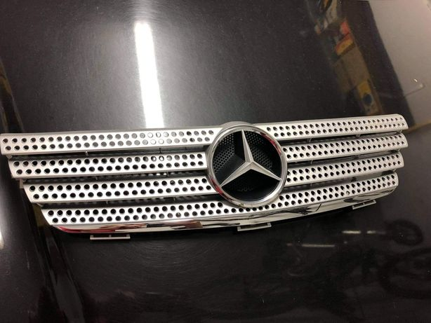 Grelha Mercedes sport coupe
