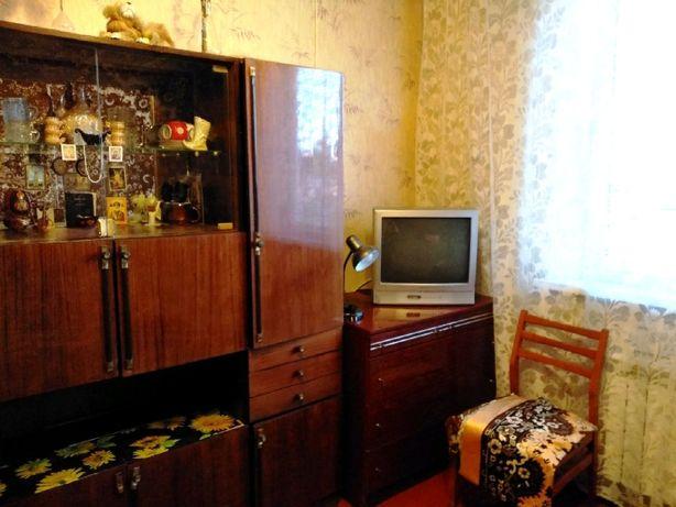 Сдам комнату в двухкомнатной квартире с хозяйкой