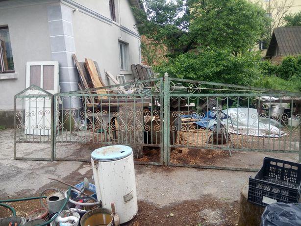 Ворота з фірткою та огорожа