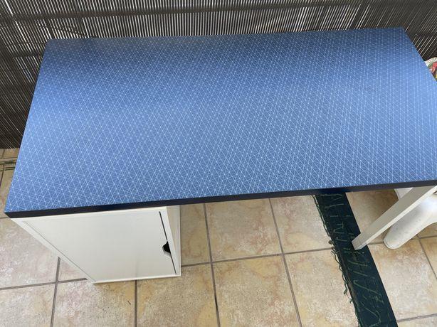 Secretária IKEA em bom estado, tampo azul 1200x600mm