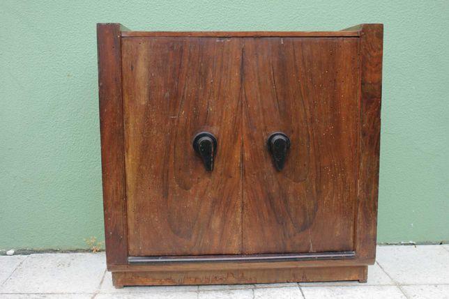 Móvel rádio antigo (para decoração ou restauro)