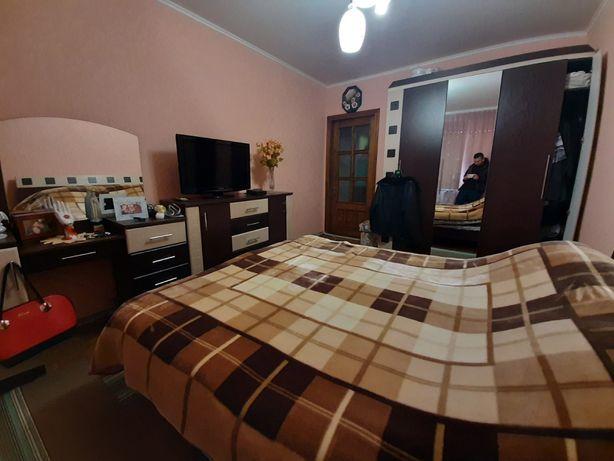 ВНИМАНИЕ!!!Трёшка в пгт Вендичани!! Квартира с огромной пристройкой!!!