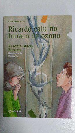 Livro «Ricardo Caiu no Buraco de Ozono» - Novo