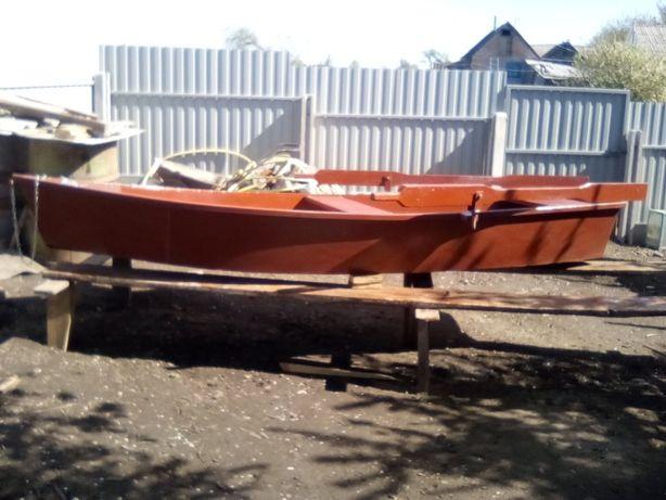 Лодка металева нова