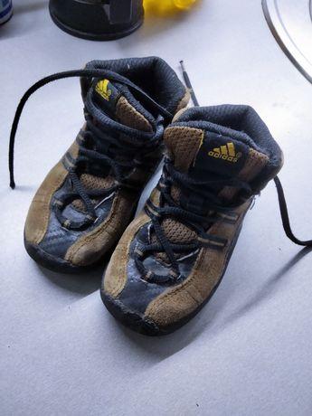 Ботинки Адидас.   .